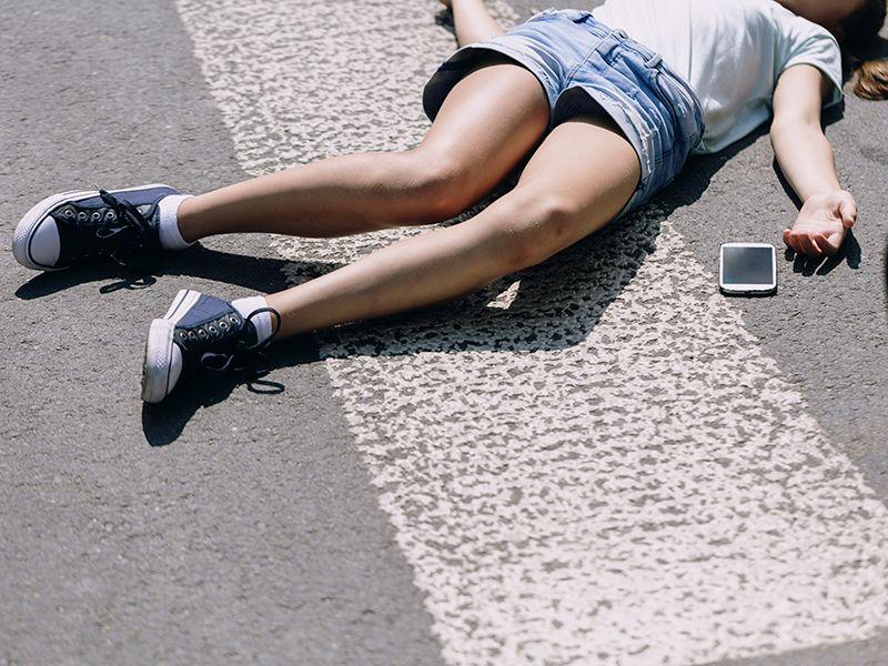 Fiatal lányt elütöttek a zebrán. Végzetes balesetek a zebrán.